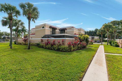 Photo of 3715 Village Dr Unit D, Delray Beach, FL 33445
