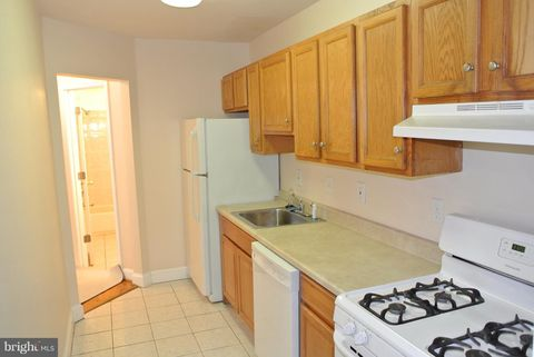 Photo of 3216 28th St Se Apt 2, Washington, DC 20020