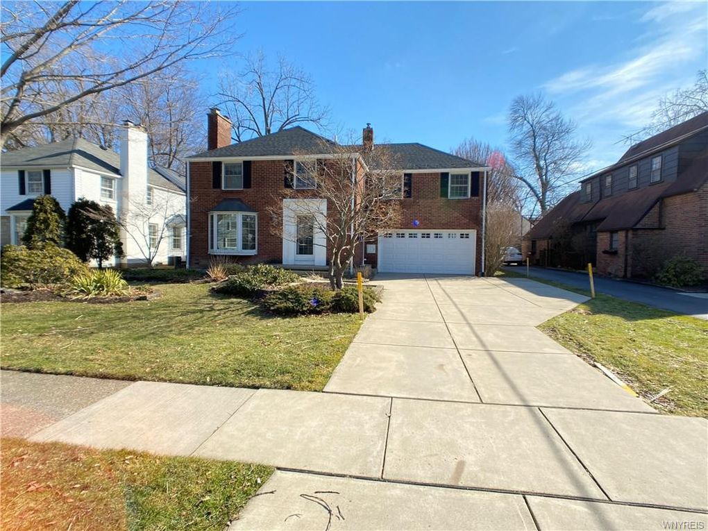 390 Brantwood Rd Amherst, NY 14226