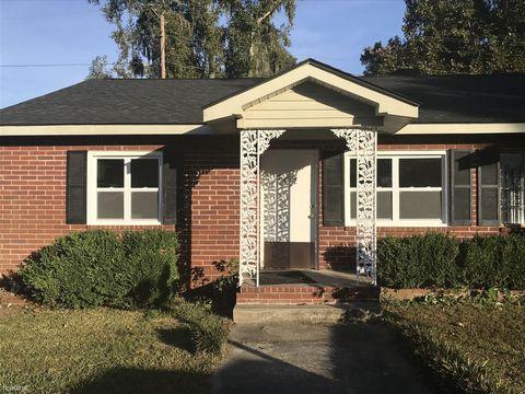 Photo of 702 Covington Ave, Garden City, GA 31408
