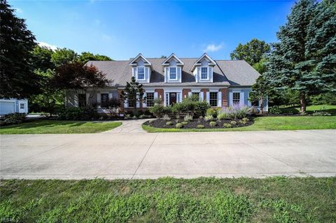 Photo of 10610 Mount Royal Dr, Concord, OH 44077