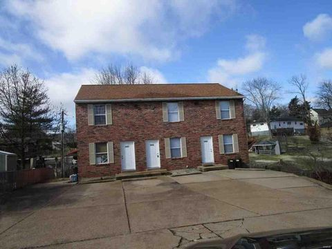 Photo of 3865 Crest Circle Dr, Arnold, MO 63010