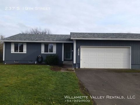 Photo of 237 S 19th St, Philomath, OR 97370