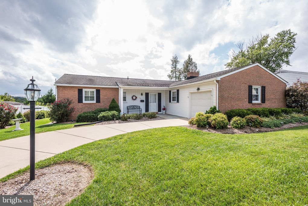 113 Country Ln Lutherville Timonium, MD 21093