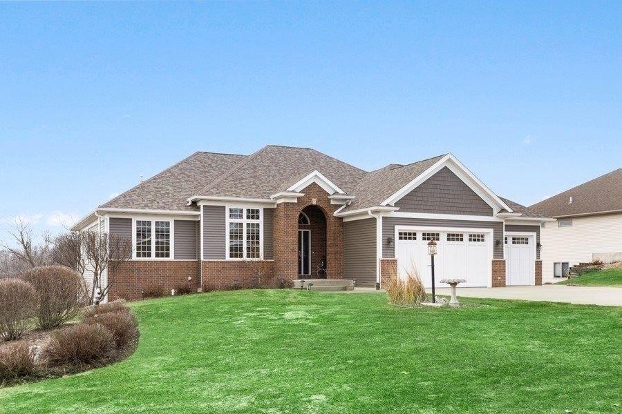 3970 Roberts Rdg NE Iowa City, IA 52240