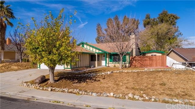 2749 Buttercup Dr Palmdale, CA 93550