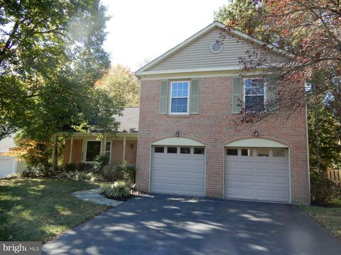 Photo of 7014 Maple Tree Ln, Springfield, VA 22152