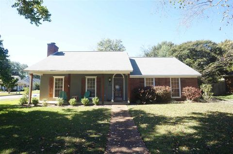 Photo of 559 Brookstone Cir, Madison, MS 39110