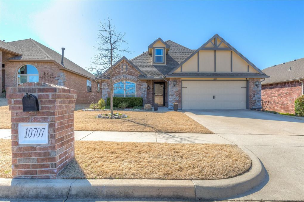 10707 Masters Cir Jenks, OK 74037