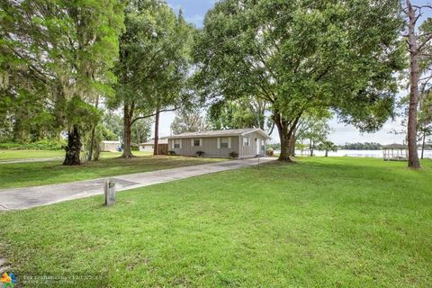 Photo of 1014 Lake Carrie Dr, Lake Placid, FL 33852