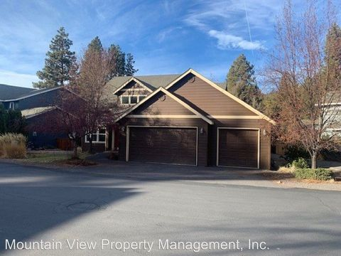 Photo of 61289 Sw Brookside Loop, Bend, OR 97702
