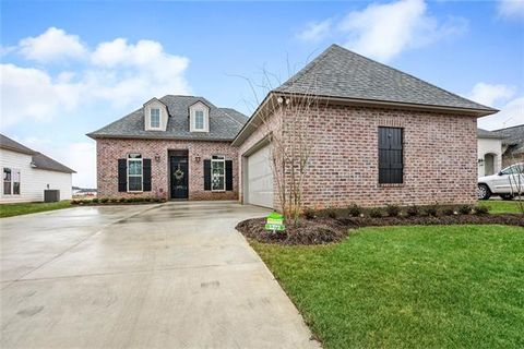 Photo of 1373 Audubon Pkwy, Madisonville, LA 70447
