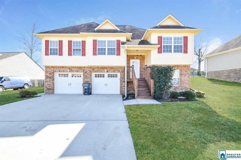 Photo of 975 Clover Cir, Springville, AL 35146