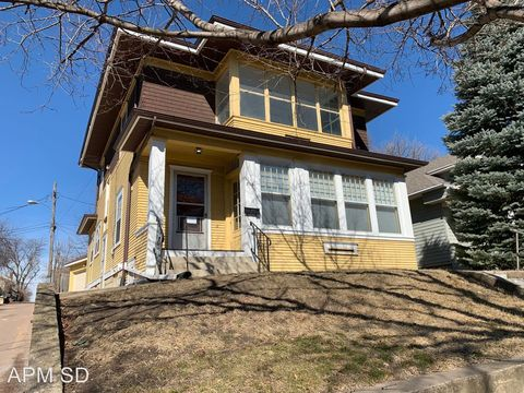 Photo of 816 W 18th St, Sioux Falls, SD 57104