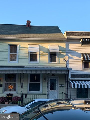 Photo of 737 Walnut St, Ashland, PA 17921