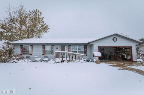 Photo of 1060 E Connie Ln, Oak Creek, WI 53154