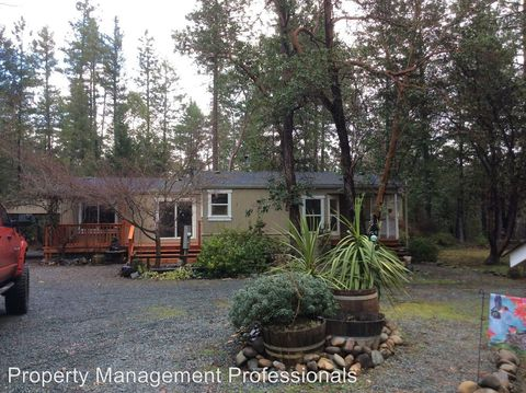 Photo of 270 Peaceful Valley Ln, Grants Pass, OR 97527