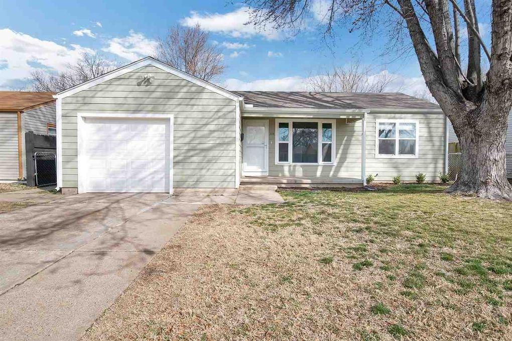 308 W Carlyle St Wichita, KS 67217