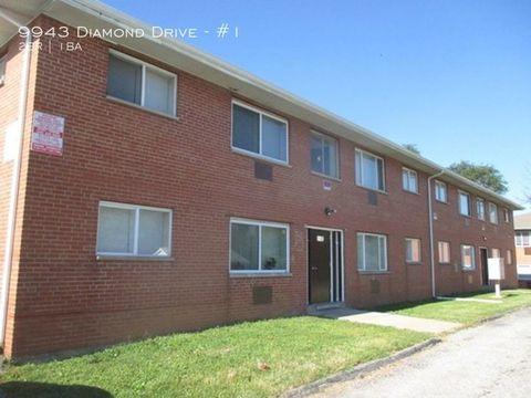 Photo of 9943 Diamond Dr Apt 1, Saint Louis, MO 63137