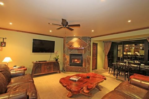 Photo of 826 Lakeview Blvd Unit 103, Mammoth Lakes, CA 93546