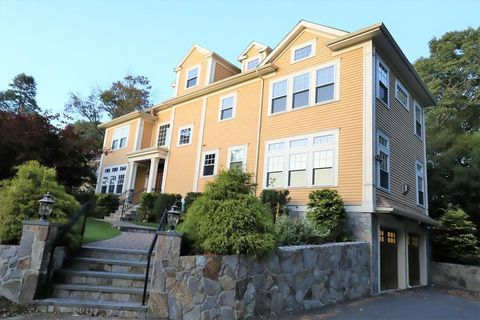 Photo of 62 Country Club Ln Unit 62, Belmont, MA 02478