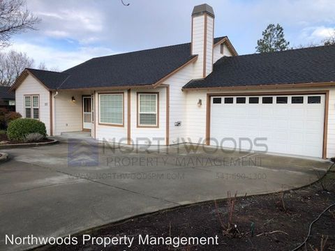 Photo of 2857 Lone Pine Rd, Medford, OR 97504