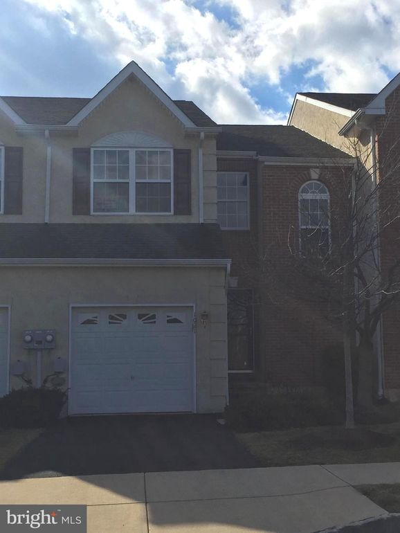 1021 Avondale Dr Red Hill, PA 18076