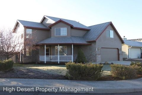 Photo of 746 Nw 19th Pl, Redmond, OR 97756