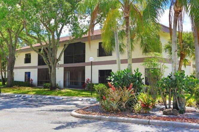 4724 Carambola Cir N Unit 27105 Coconut Creek, FL 33066