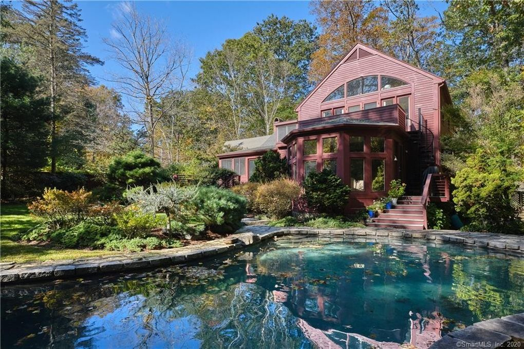 70 Mill Stone Dr Guilford, CT 06437