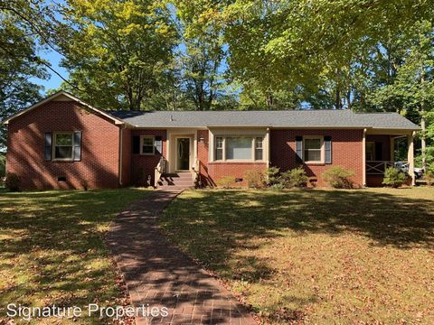 Photo of 2056 Cluster Springs Rd, South Boston, VA 24592
