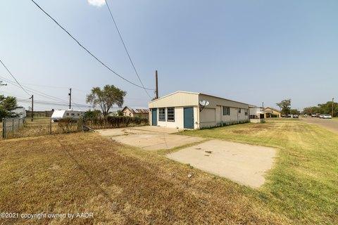 108 S Ridgeland Ave, Fritch, TX 79036