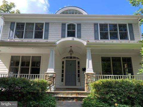 Photo of 7206 Ridgewood Ave, Chevy Chase, MD 20815