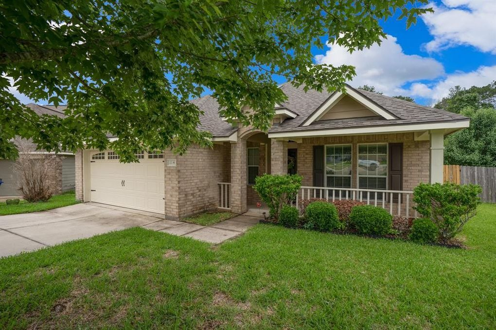 114 Enfield Ct Huntsville, TX 77320