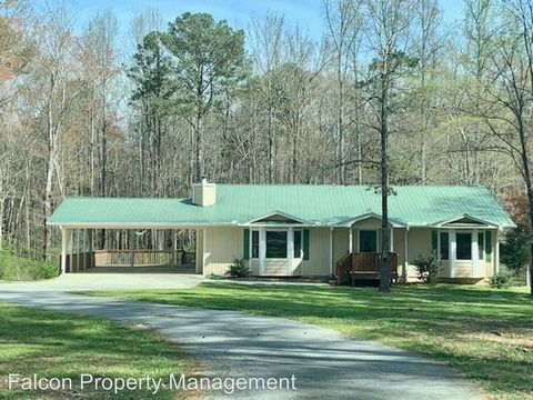 Photo of 208 Thompson Rd, Tyrone, GA 30290