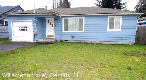 Photo of 530 Tangent St, Lebanon, OR 97355