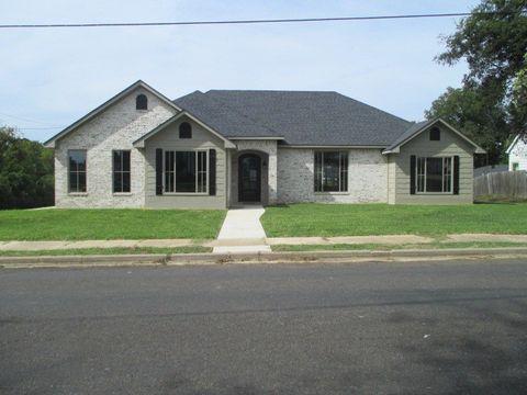 Photo of 206 S Van Buren St, Henderson, TX 75654