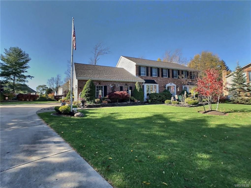 5886 Bent Brook Ct East Amherst, NY 14051