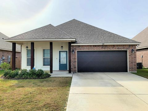 Photo of 206 Caillou Grove Rd, Youngsville, LA 70592