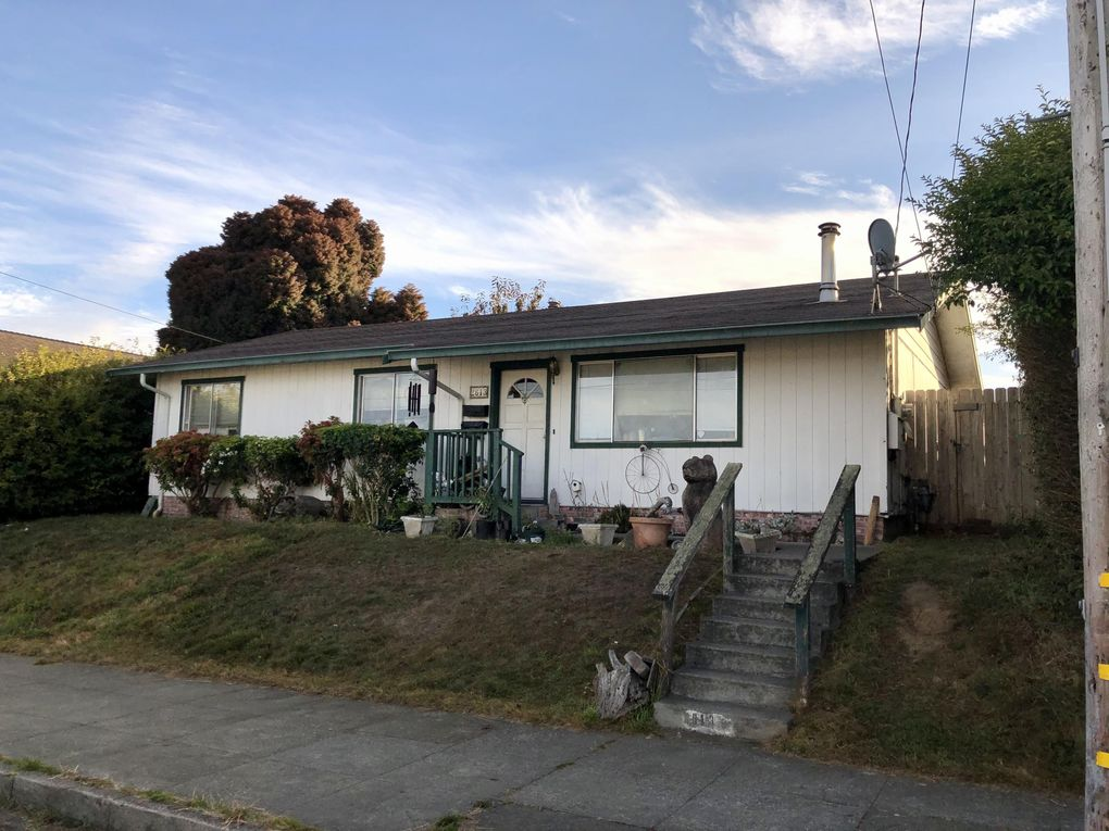 2613 Spring St Eureka, CA 95501