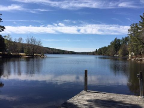 Photo of 355 Reservoir Dr, Weare, NH 03281