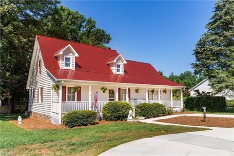 Photo of 6435 Tobaccoville Rd, Tobaccoville, NC 27050