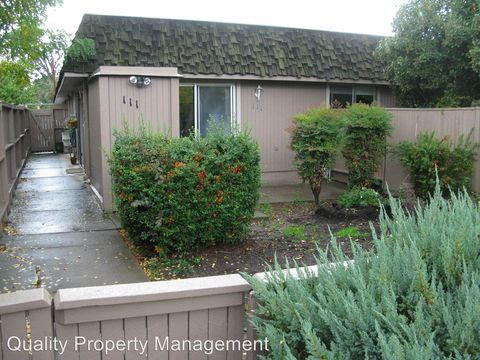 Photo of 111 Lincoln St, Medford, OR 97501