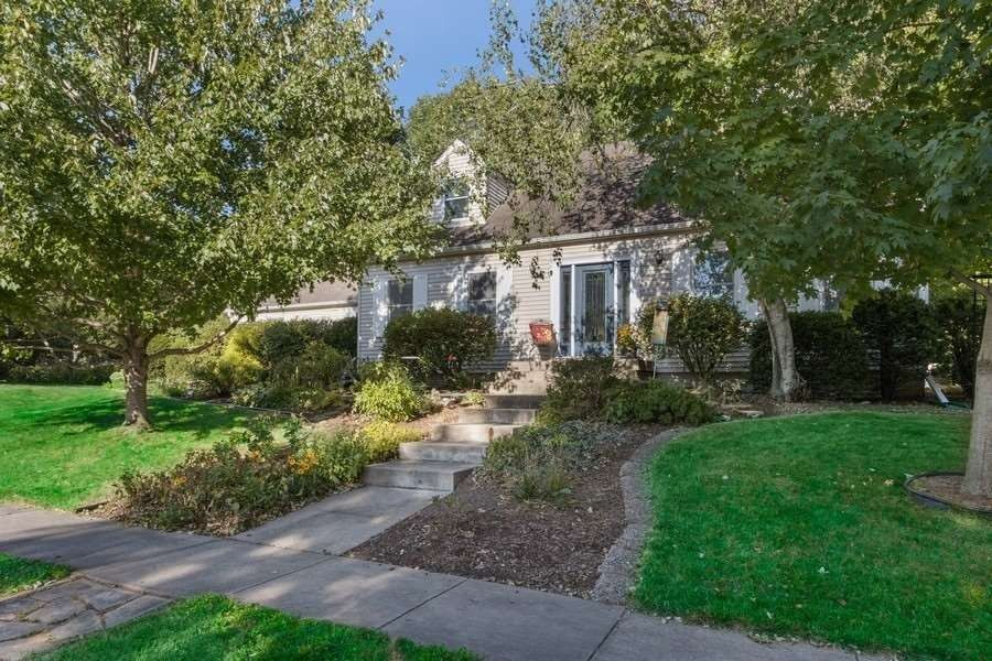 832 Spencer Dr Iowa City, IA 52246