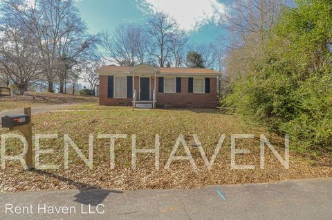 Photo of 130 Wilford St, Pickens, SC 29671