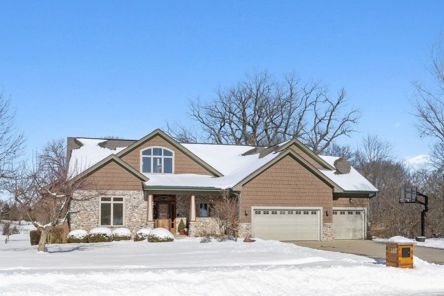 849 Forest Hill Dr Coralville, IA 52241
