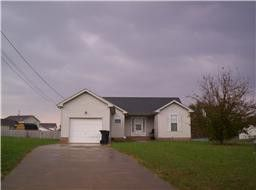 Photo of 313 Hunter Owens Ct, Oak Grove, KY 42262
