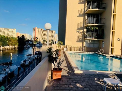 Photo of 2881 Ne 33rd Ct Apt 5 E, Fort Lauderdale, FL 33306
