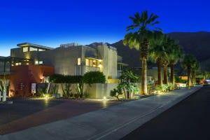 701 E Arenas Rd Palm Springs, CA 92262