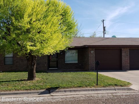 Photo of 905 W 15th St, Portales, NM 88130